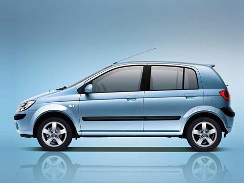 Hyundai getz. Спомощью Getz компания Hyundai завоевала популярность вЕвропе. Обновлённой модели посилам еёпреумножить.