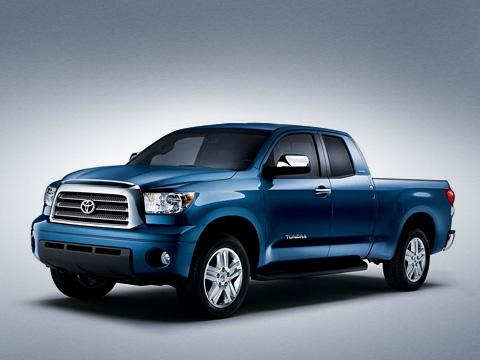Toyota tundra. Новый пикап Toyota Tundra непросто похож наамериканские автомобили. Онфактически таковым иявляется, ведь онбыл был полностью разработан вСША ипроизводится тамже.