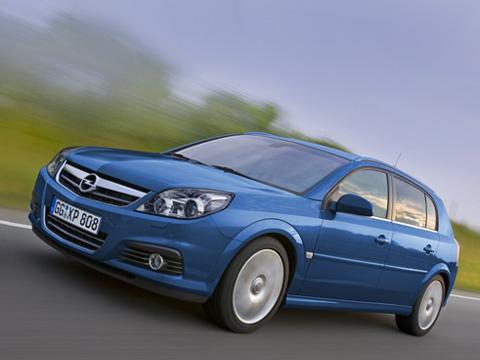 Opel signum. Мощный хэтчбэк бизнес-класса Signum Sport 2,8V6Turbo S— флагман игордость модельного ряда Opel.