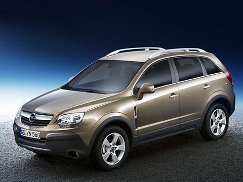 Opel antara. Opel Antara, наследник популярного Frontera, уже невыглядит суровым джипом, как снаружи, так иизнутри.