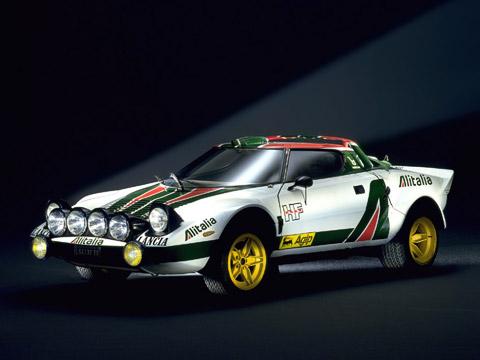 Lancia stratos. Lancia Stratos знаменита нетолько своими громкими победами вралли. Подход ксозданию этой машины позже привёл квозникновению сверхмощных турбированных монстров группыБ.