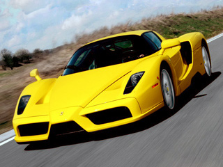 Ferrari enzo. Любителям «прокачать» свой Enzo Novitec предложит рычащий глушитель и тонированные задние фонари.
