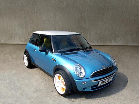 Mini cooper. Объединить пристрастия поклонников экологически чистых автомобилей исупер быстрых автомобилей может, пожалуй, лишь 640-сильный Mini QED.