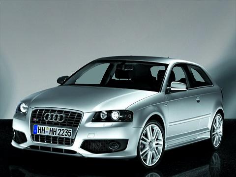 Audi s3. Встранах, где снег бывает нетолько накартинках иэкранах телевизоров, полноприводная S3будет однозначно вфаворитах улюбителей компактных и«злых» хэтчбэков.