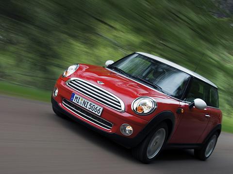 Mini cooper,Mini cooper s. Новое поколение Mini обладает всеми данными, чтобы повторить ипревзойти рыночный успех предшественника.