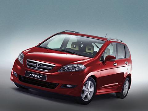 Honda fr-v. Изменений вHonda FR-V 2007модельного года нетак ужимного. Главная новость— 1,8-литровый мотор отСивика.