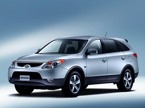 Hyundai veracruz,Hyundai ix55. Новый игрок вклассе «люкс»— выходец изКореи Hyundai Veracruz. Пооснащению онпрактически сравнялся слидерами сегмента. Посмотрим, что будет сценами.