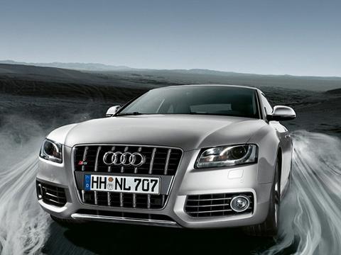 Audi s5. Практически любую модель Audi уже сложно представить без версии S.Купе Audi A5нестало исключением.
