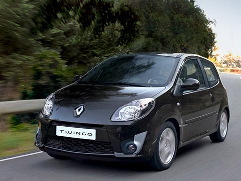 Renault twingo. Twingo вкомплектации Dynamique будет весьма похож на«заряженный» GT— унего тотже бампер салюминиевыми вставками. Нобезнаддувного «колобка» сразу выдаёт размер колёс: 14дюймов вместо15.