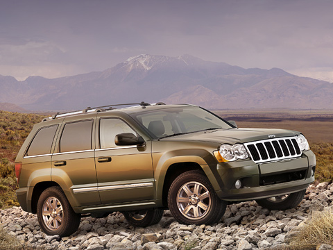 Jeep grand cherokee. Модернизированный Grand Cherokee решили представить заранее, дооткрытия автосалона вНью-Йорке.