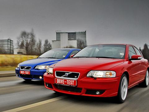 Volvo s60. Седаны Volvo— это неброские цвета ифлегматичный характер. Простите, ночто тогда делают фирменные эмблемы шведской марки наэтих взрывных красотках? Ответ вбуквеR!