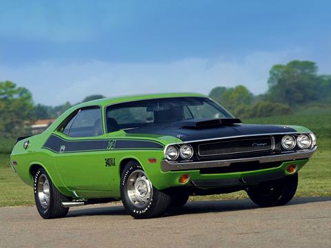 Dodge challengerm,Plymouth barracuda. Dodge Challenger «выстрелил» уже под закат эры масл-каров. Но свой след он оставить успел.