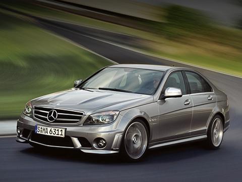 Mercedes c,Mercedes c amg. Теперь Mercedes-Benz C63AMG роднит сгоночным болидом серииDTM нетолько агрессивный аэродинамический обвес, ноисхожая «начинка». Причём серийный Мерседес даже мощнее!