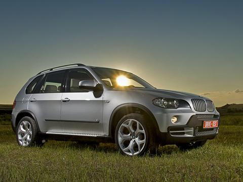 Bmw x5. Новый BMW X5 подрос и обзавёлся кучей суперсовременных технологических фишек. Не испортили ли они дух марки?