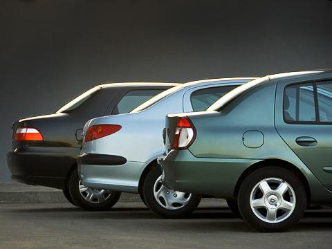 Fiat albea,Peugeot 206,Renault symbol. Изачем этим автомобильчикам сдались огромные отростки сзади? Машинам-то они ненужны, авот покупатели почему-то очень жалуют седаны.