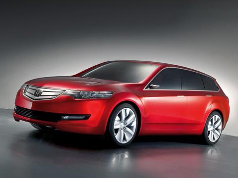Honda accord,Honda accord tourer concept,Honda concept. Пока это всего лишь концепт. Ноточно известно, что серийный Accord будет похож нанего как две капли воды. Надорогах онпоявится вследующем году.