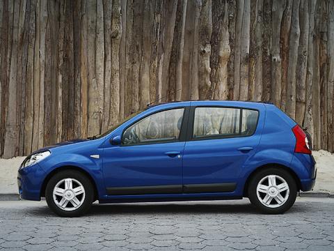 Renault sandero,Renault logan. Внешность автомобиля весьма спорная. Нозацену, покоторой онбудет продаваться, невзрачность можно простить.