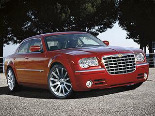 Chrysler 300c. Дизайнеры нерешились менять столь цельный облик большого седана Chrysler.