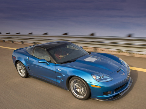 Chevrolet corvette. Chevrolet CorvetteZR1 стал самым мощным ибыстрым серийным автомобилем завсю историю General Motors.