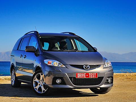 Mazda 5. Mazda5— хоть исвежая модель, нонебаловала компанию обвальными продажами вРоссии. Может, оперативный рестайлинг подогреет интерес публики?