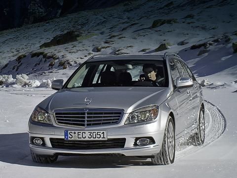 Mercedes c. ВMercedes умеют рисовать машины так, что даже компактные универсалы, такие как C-Class Estate, выглядят внушительно исолидно.