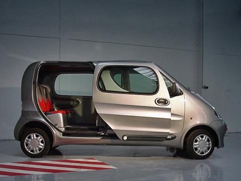 Tata onecat. TataOneCAT весит всего 350килограммов, авмещает всебя пять человек. Если реальная цена наавтомобиль непревысит заявленную, машинка обещает иметь спрос.