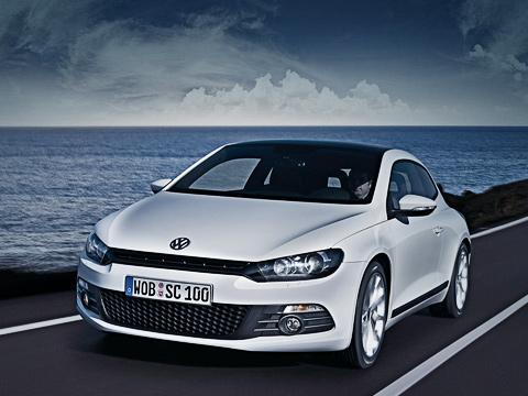 Volkswagen scirocco. Scirocco построен наплатформе Volkswagen GolfV. Вдлину машинка вымахала на4256, вширину— на1810, аввысоту— на1400миллиметров. Scirocco получился ниже, нозато длиннее ишире своего «родителя».