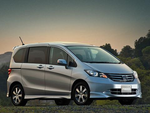 Honda freed. Под капотом— бензиновый мотор 1.5VTEC мощностью 120«лошадок», знакомый американским владельцам хэтчбеков Fit последнего поколения.
