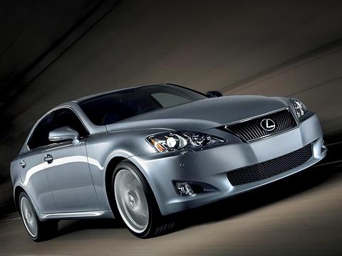Lexus is. «Японец» пришёлся подуше нетолько американцам. С2006года вРоссии куплено 5306седановIS. Заэтотже период продано 6244Мерседеса С-класса и9093машины семействаА4.