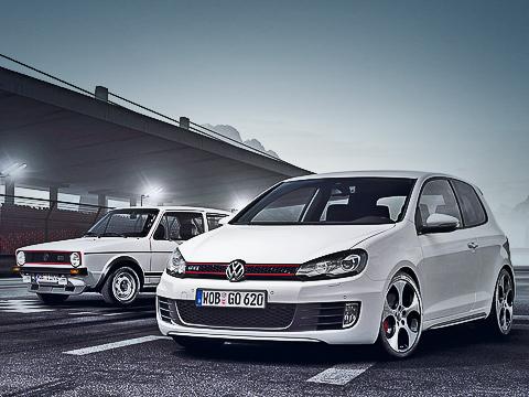 Volkswagen golf gti. GolfGTI стал быстрее: максимальная скорость— 240км/ч, заявленное время разгона до100км/ч— 6,9с. Нои экономичнее: всмешанном цикле GTIпотребляет 7,5лна100 км— напол-литра меньше предыдущей модели.