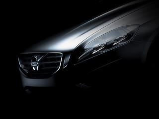 Volvo s60. Концепт-кар Volvo S60появится вянваре 2009года, ачерез год-полтора шведы, возможно, покажут серийную машину. Странно, ноодетый вкамуфляж автомобиль всё ещё невиден надорогах.