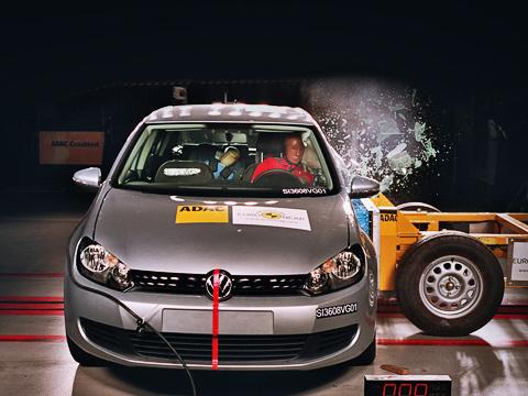 Volkswagen golf. Пять звёзд, итоговые оценки, зашкалившие за30-балльную отметку,— всё это стало обыденным. Посмотрим, какими будут рейтинги вследующем году.