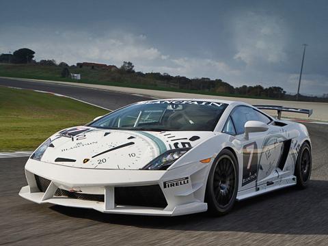 Lamborghini gallardo,Lamborghini super trofeo. Двигатель V105.2снепосредственным впрыском уLamborghini Super Trofeo чуть мощнее стандартного— 570л.с. Подвеска— спортивная, регулируемая. Тут гоночные тормозные механизмы, перенастроенная АБС ислики Pirelli.