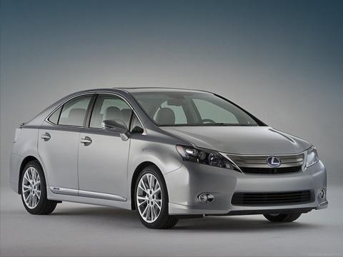 Lexus hs. Такой дизайн можно оправдать только крайней функциональной необходимостью. Lexus— наиболее аэродинамически эффективная машина вклассе.