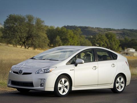 Toyota prius. При разработке гибрида Toyota Prius третьего поколения тойотовцами было подано около тысячи заявок наразличные патенты.
