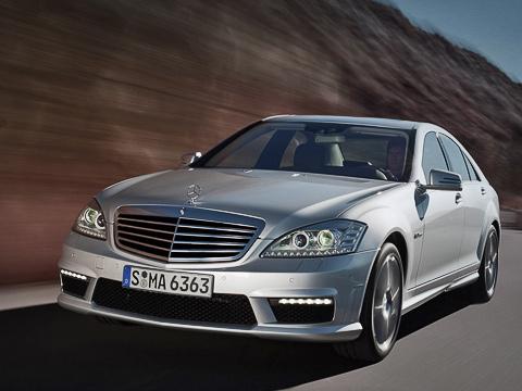 Mercedes s amg. Как инаMercedes-BenzS600, намодели S63AMG иS65AMG вбазе устанавливается обновлённая гидропружинная подвеска ABC, которая теперь способна компенсировать курсовые колебания при боковом ветре.