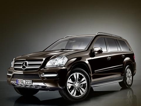 Mercedes gl. Обратите внимание нановые боковые зеркала. Они увеличились. Теперь, вероятнее всего, уGLнормальная обзорность.