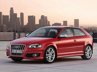 Audi s3. Разгон досотни утрёхдверки занимает 5,7с,машина спятидверным кузовом наодну десятую медленнее. Максимальная скорость ограничена науровне 250км/ч.