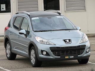 Peugeot 207. Если эта машина действительно обновлённый вариант, анеэкологически чистая версия, топридётся признать, что дорестайлинговый 207смотрится ярче.