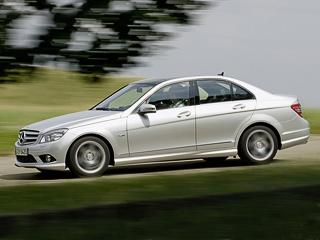 Mercedes c. Разгон досотни уседана C250CDI BlueEfficiency с«автоматом» занимает всего 7,5с,амаксимальная скорость составляет 240км/ч. Версия C220CDI чуть медленнее— 8,8си232 км/ч.