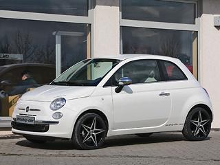 Fiat 500. MCCHIP также предлагает для итальянской крохи 17-дюймовые диски снизкопрофильными шинами. За1099евро.