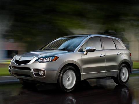 Acura rdx. Вгороде «турбочетвёрка» 2.3(240л.с., 352Н•м)неиспугает владельца чрезмерным потреблением топлива: 12,4лна100 кмупереднеприводной модификации и13,8уполноприводной.