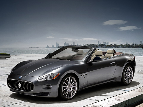 Maserati grancabrio,Maserati granturismo. Создатели настаивают, что кабриолет GranCabrio — унисекс. А мы и не спорим.