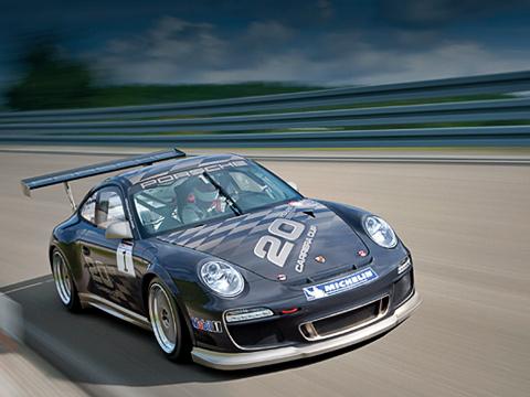 Porsche 911,Porsche 911 gt3 cup. Немцы непривели динамических характеристик, однако, попредварительным данным, разгон досотни уавтомобиля займёт чуть менее4с, амаксимальная скорость составит 314км/ч.