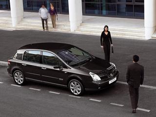 Renault vel satis. ВРоссии Vel Satis, прозванный Волосатисом, уже непродаётся. Прошлый «урожайный» год доставил владельцам 17машин. Внынешнем полугодии продано всего две.