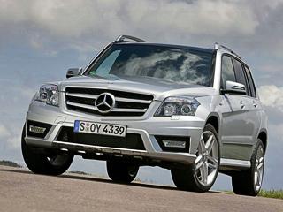 Mercedes glk. Отличия отстандартных версий сводятся кболее лёгким колёсным дискам, обутым вшины снизким сопротивлением качению (размерность— 235/60R17).