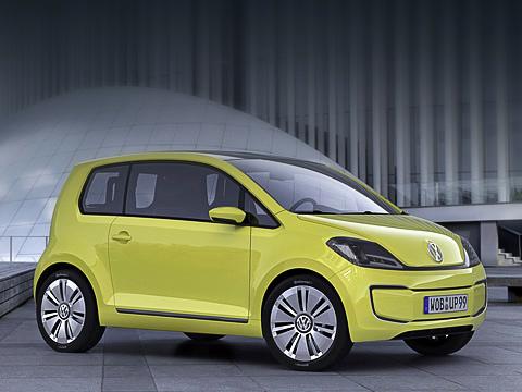 Volkswagen e-up,Volkswagen concept. Сто километров пути вЕвропе натаком автомобиле обойдутся владельцу вдва евро. Фольксвагеновцы подсчитали— 14евроцентов за1кВт•ч.
