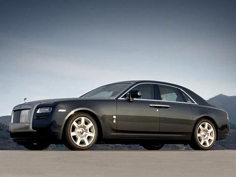 Rollsroyce ghost. Первыми доавтомобиля дорвутся европейцы— вконце 2009года. Камериканским дилерам фирмы Rolls-Royce машины, предназначенные для продажи, поступят вапреле 2010-го.
