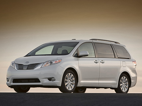 Toyota sienna. Подобно предыдущей модели, новая Toyota Sienna производиться будет назаводе вПринстоне (штат Индиана), апродаваться— только насевероамериканском рынке. Старт— вфеврале 2010года.