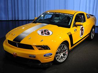 Ford mustang. Продажи гоночных купе Mustang Boss 302R начнутся вIII квартале 2010года. Всего планируется собрать 50болидов.